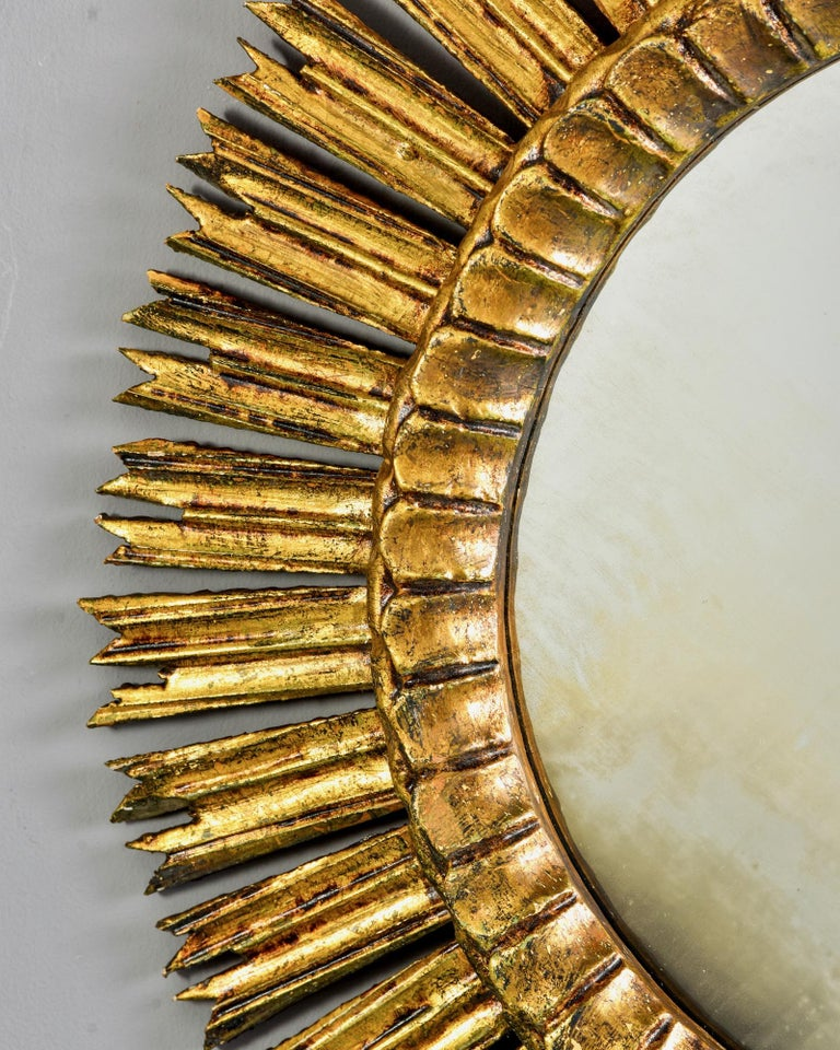 Giltwood Sunburst Mirror with Short Rays For Sale 3