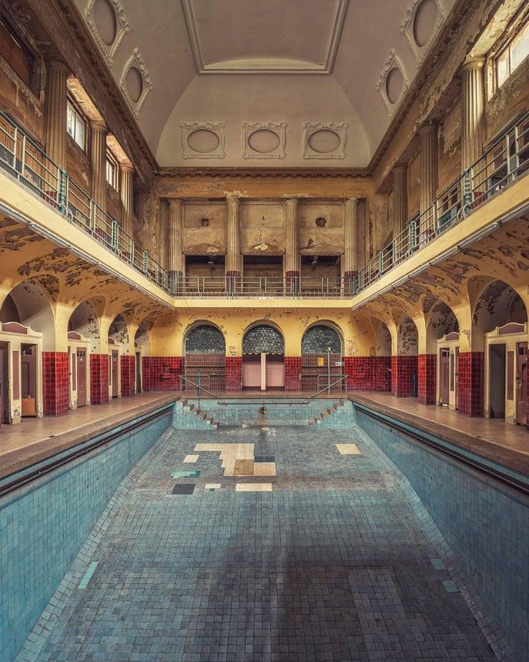 Gina Soden Landscape Photograph - Badekultur (Interior of abandoned thermal baths)