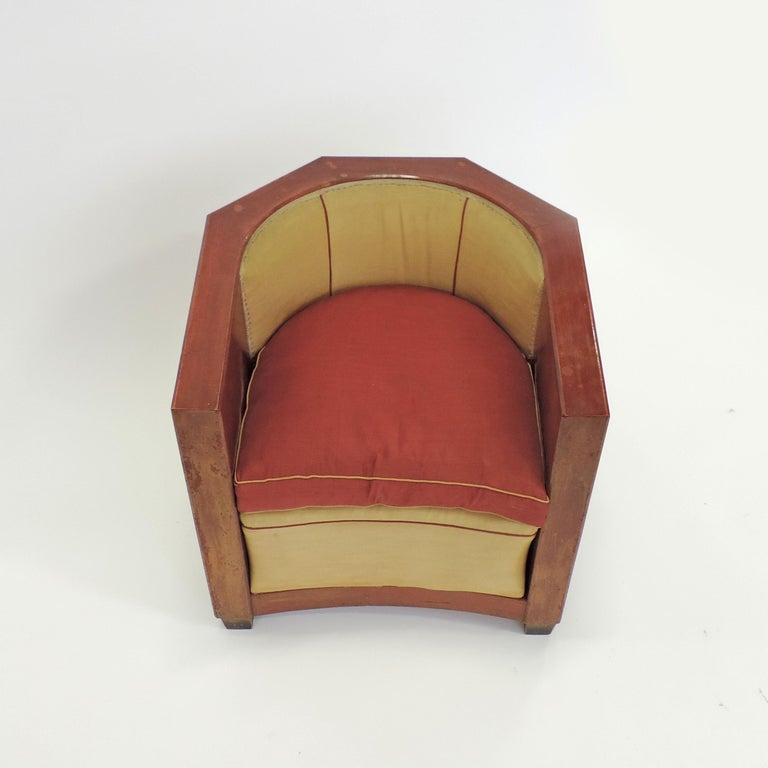 Gino Maggioni Red Stained Armchair for Arredamenti Borsani Varedo, Italy, 1920s In Good Condition For Sale In Milan, IT