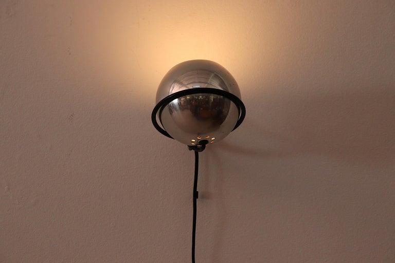 Gino Sarfatti Chrome Globe Lamp In Good Condition For Sale In Los Angeles, CA