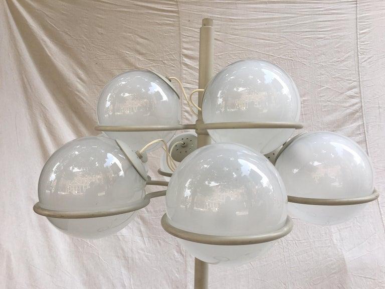 Italian Gino Sarfatti for Arteluce Monumental Floor Lamp Model 1094 from 1966 For Sale