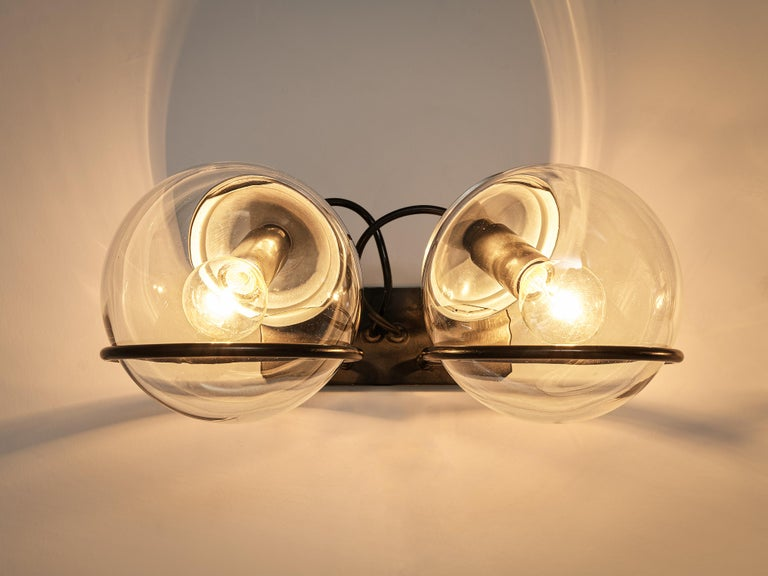 Gino Sarfatti for Arteluce Pair of Wall Lights Model '237' in Glass and Metal For Sale 1