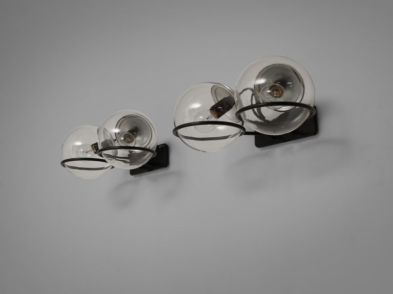 Gino Sarfatti for Arteluce Pair of Wall Lights Model '237' in Glass and Metal For Sale 2