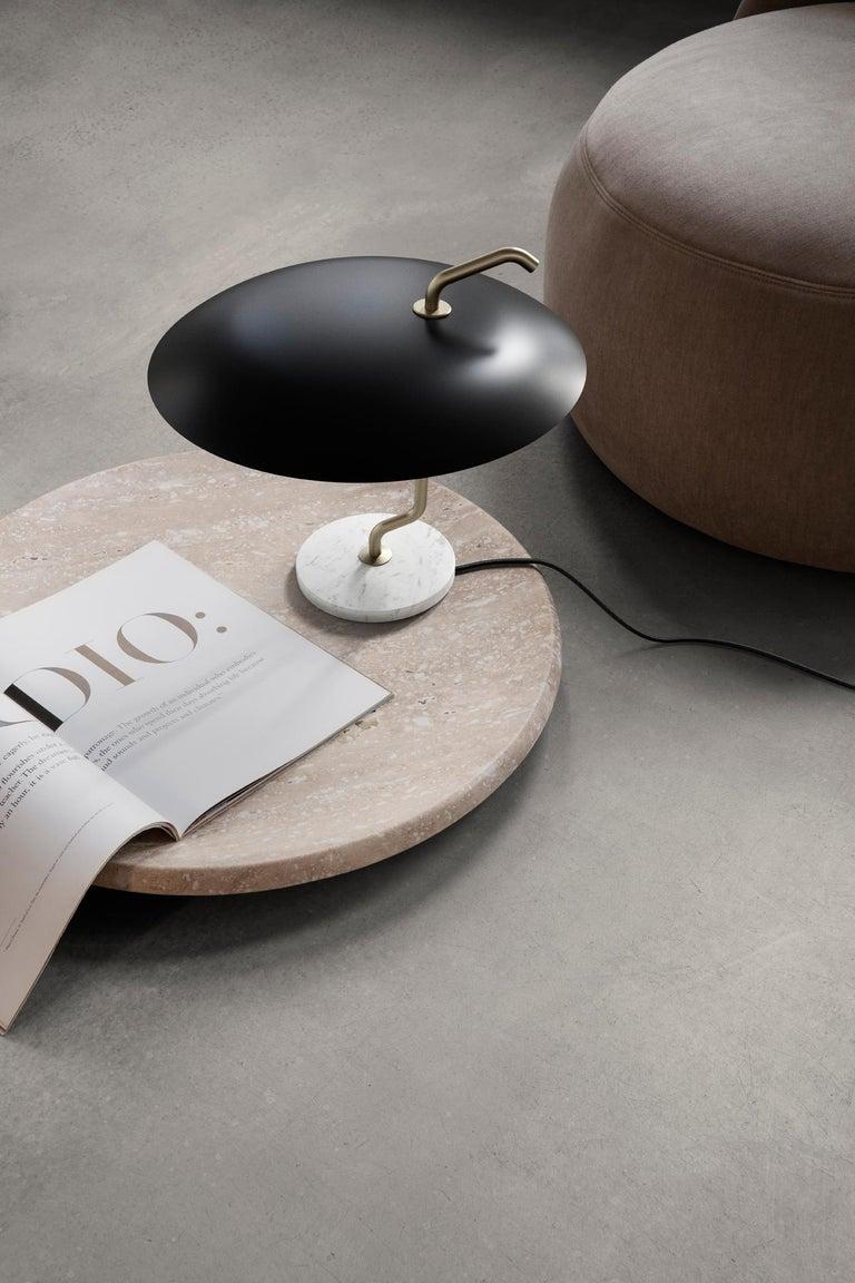 Gino Sarfatti Lamp Model 537 Brass Structure, Black Reflector, White Marble In New Condition For Sale In Barcelona, Barcelona
