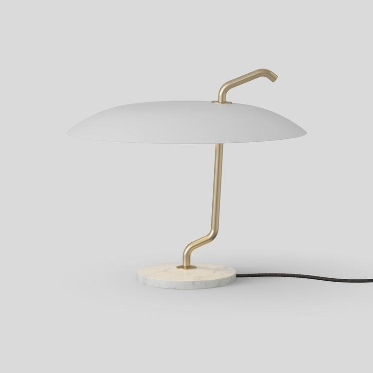 Metal Gino Sarfatti Lamp Model 537 Brass Structure, Black Reflector, White Marble For Sale