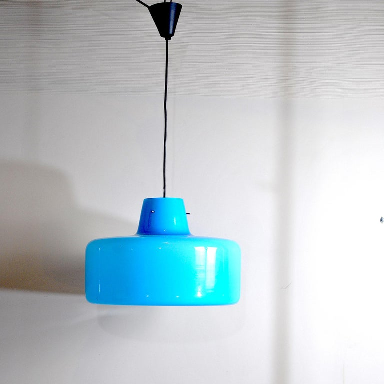 Chandelier from the 1960s an Italian production by Gino Vistosi a real artist of colored and layered glass.