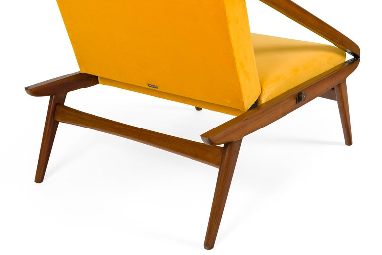 Gio Ponti Adjustable Armchairs/Ottomans, Italy, 1955 For Sale 2