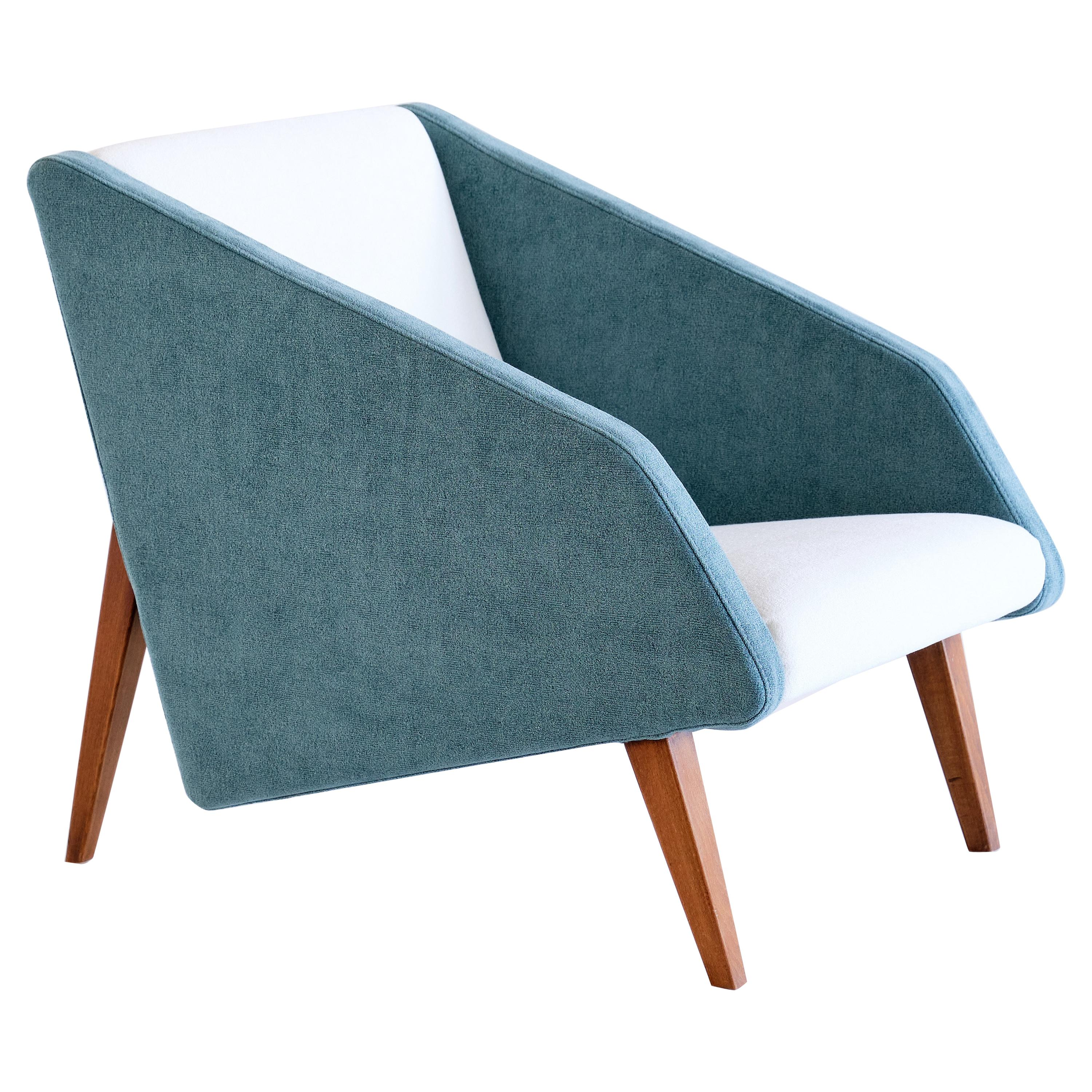 Gio Ponti Attributed Armchair in Lelièvre Fabric and Beech, Italy, Late, 1950s