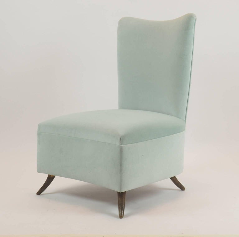 Mid-Century Modern Gio Ponti Attributed Fine Armchair Manufactured by ISA, Bergamo, Italy, 1950s For Sale