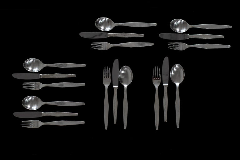 Silvered Gio Ponti Cutlery Set for Twelve in Nickel Silver Krupp, 1950s, Italy For Sale