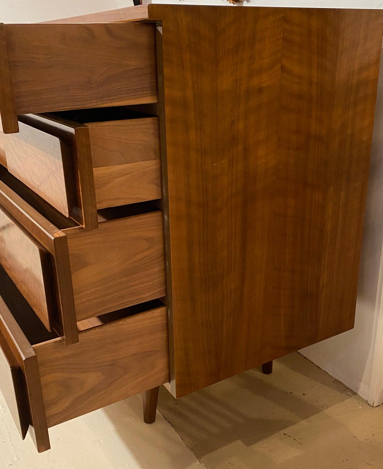 Gio Ponti Double Dresser Low Chest Signed M. Singer and Sons Model 2161 For Sale 7