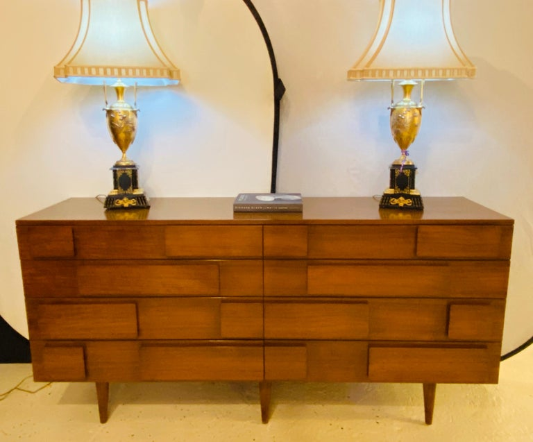 Gio Ponti Double Dresser Low Chest Signed M. Singer and Sons Model 2161 In Good Condition For Sale In Stamford, CT
