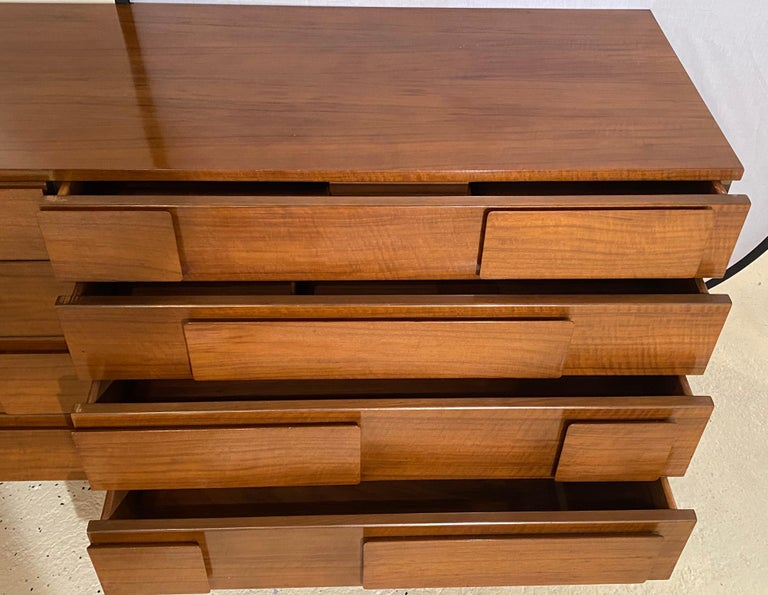 Gio Ponti Double Dresser Low Chest Signed M. Singer and Sons Model 2161 For Sale 1