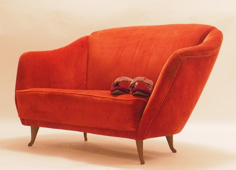 Cast Fine Velvet Sofa with Brass Feet attributed to Gio Ponti for ISA, Italy, c. 1952 For Sale