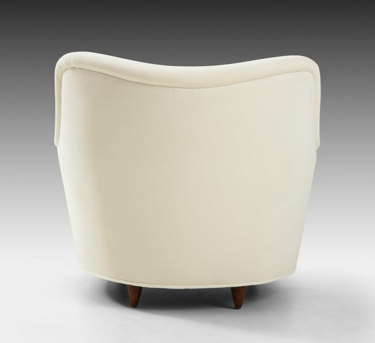Gio Ponti for Casa e Giardino Pair of Ivory Velvet Armchairs For Sale 4