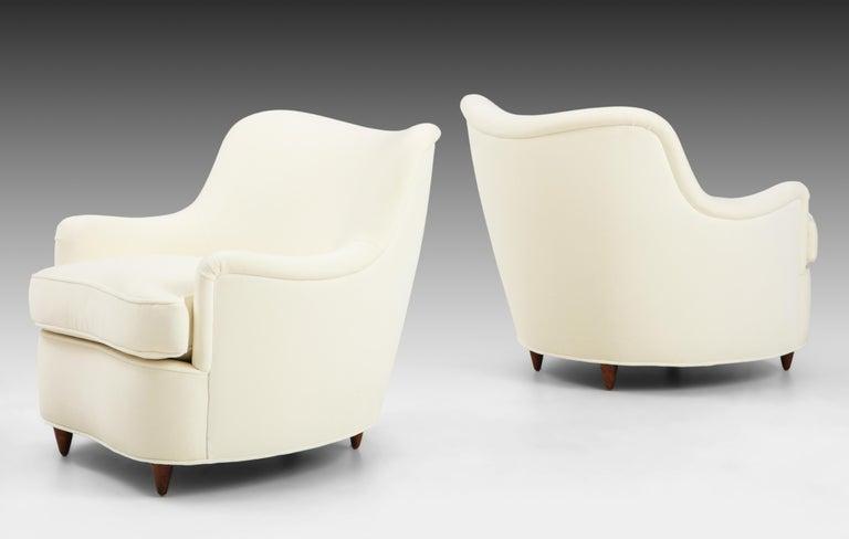 Mid-Century Modern Gio Ponti for Casa e Giardino Pair of Ivory Velvet Armchairs For Sale