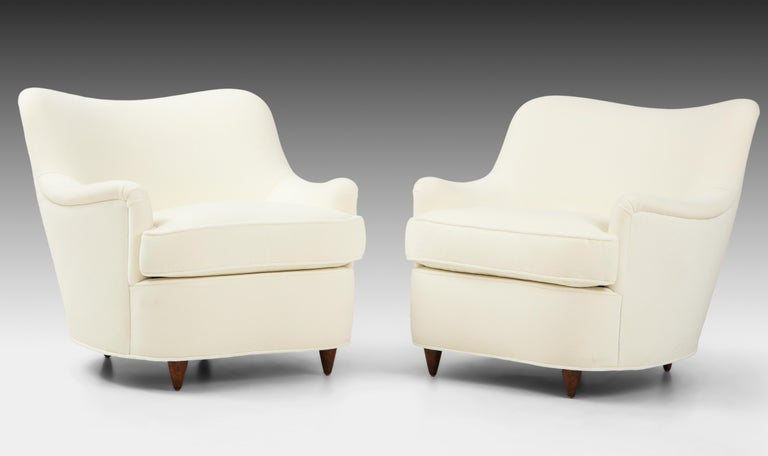 Gio Ponti for Casa e Giardino Pair of Ivory Velvet Armchairs In Good Condition For Sale In New York, NY