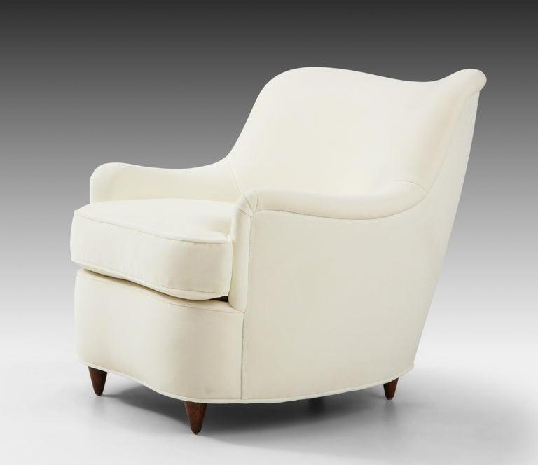 Gio Ponti for Casa e Giardino Pair of Ivory Velvet Armchairs For Sale 1