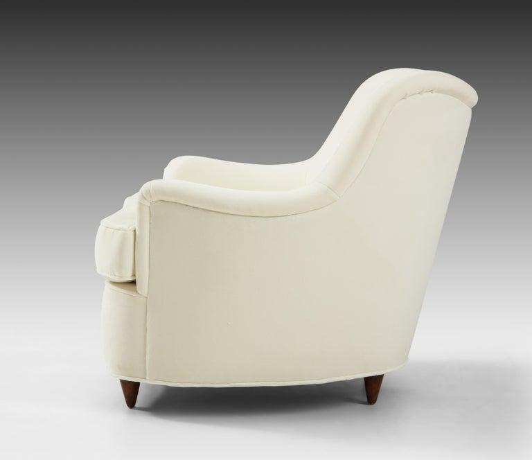 Gio Ponti for Casa e Giardino Pair of Ivory Velvet Armchairs For Sale 2