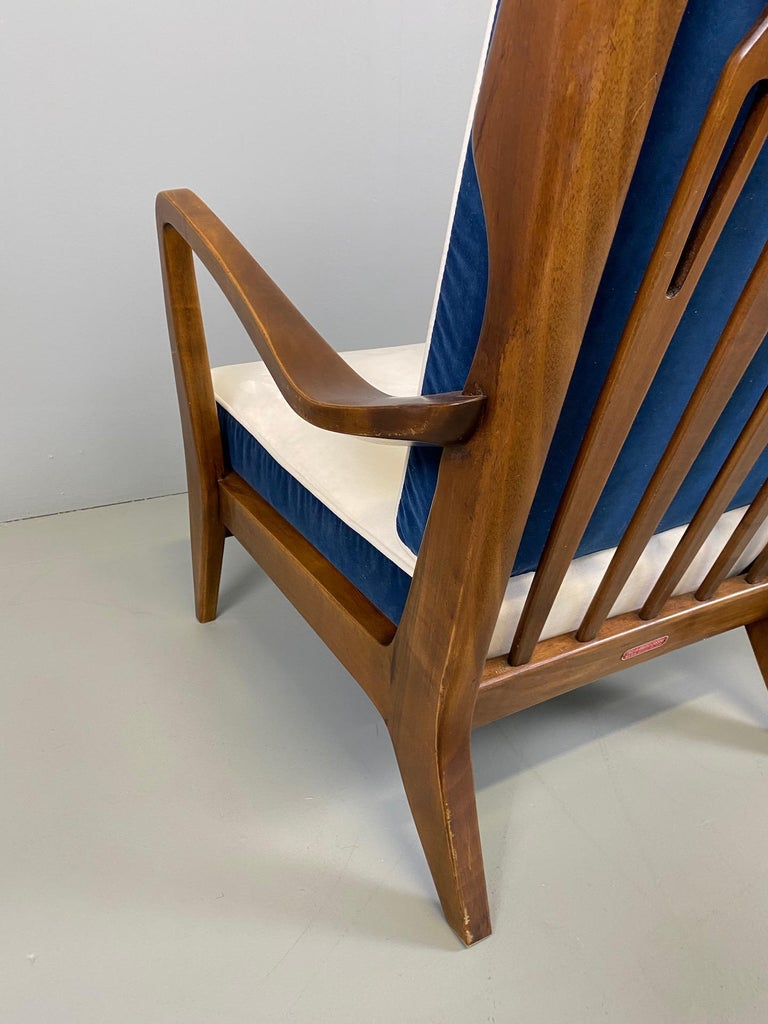 Gio Ponti for Cassina Pair of Walnut Armchairs Model 516 For Sale 6