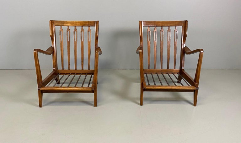 Two armchairs modell '516' solid walnut. Beautiful original condition whit original label.