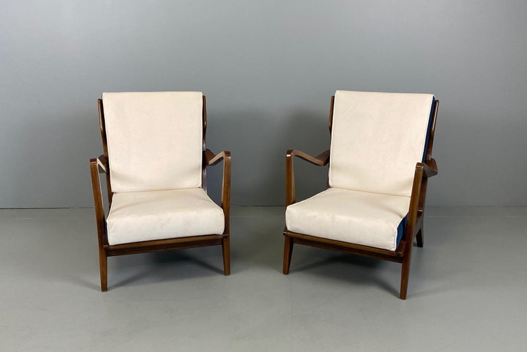 Gio Ponti for Cassina Pair of Walnut Armchairs Model 516 In Good Condition For Sale In Rovereta, SM