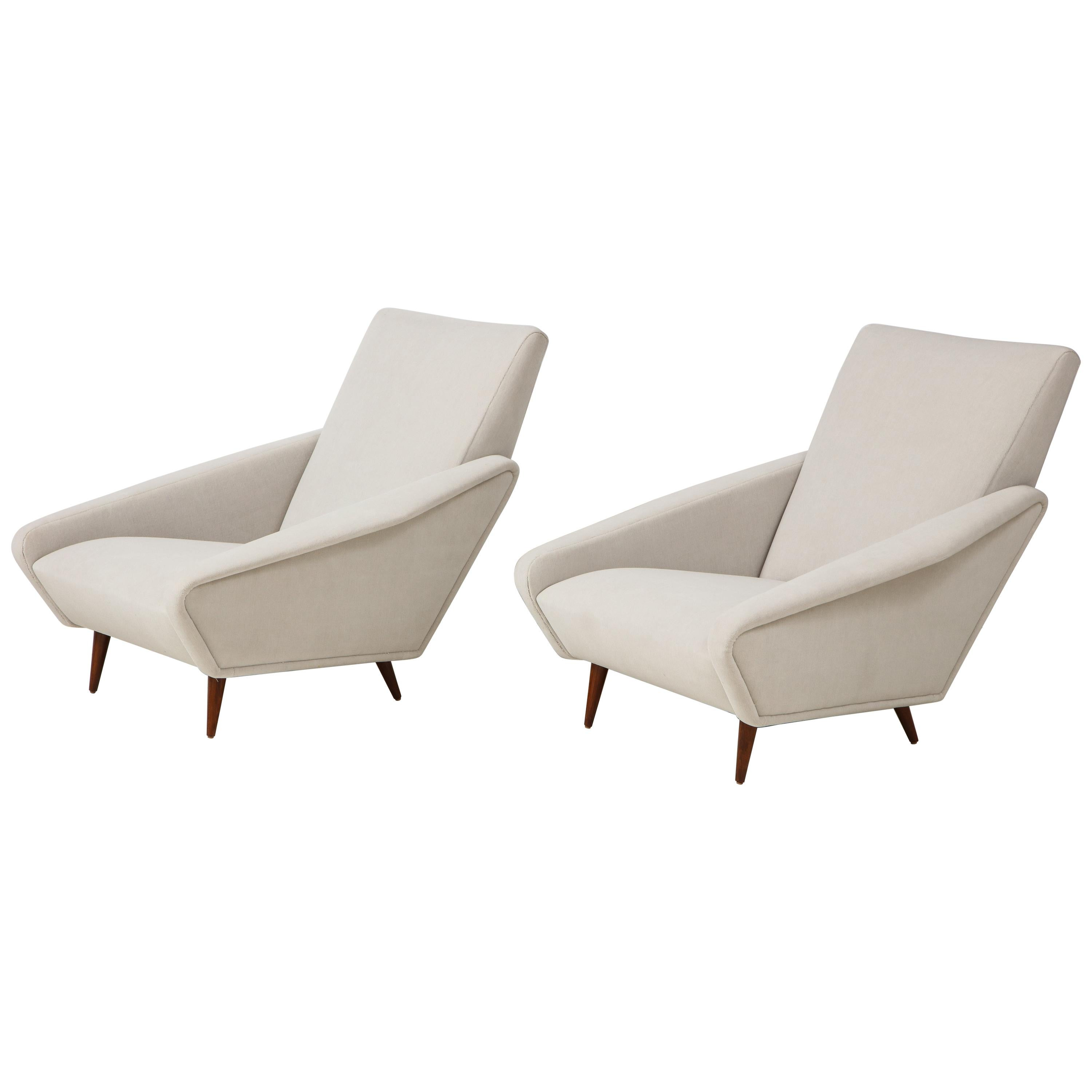 Gio Ponti for Cassina Rare Pair of Distex Lounge Chairs Model 807 in Wool Velvet