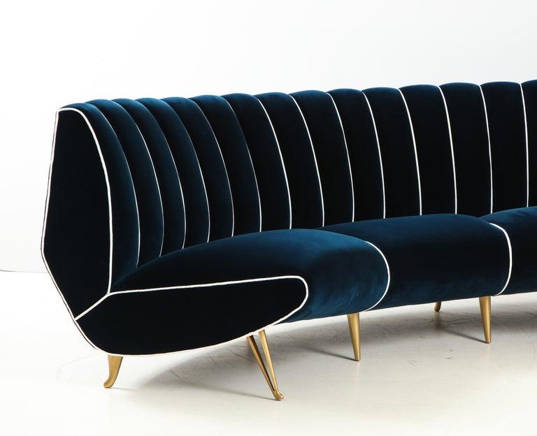 Giulia Veronesi for ISA Bergamo Rare Curved Channel Back Sofa in Navy Velvet For Sale 6