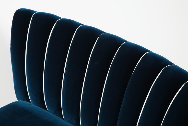 Giulia Veronesi for ISA Bergamo Rare Curved Channel Back Sofa in Navy Velvet For Sale 7