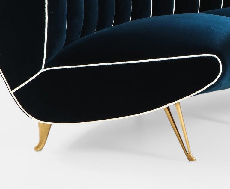 Giulia Veronesi for ISA Bergamo Rare Curved Channel Back Sofa in Navy Velvet For Sale 9