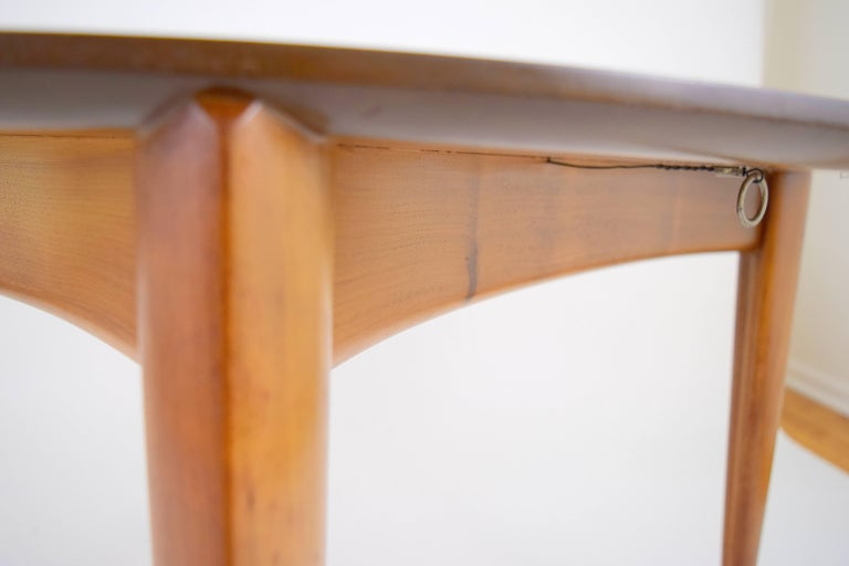 Gio Ponti for Singer and Sons Dining Table In Good Condition For Sale In Chicago, IL
