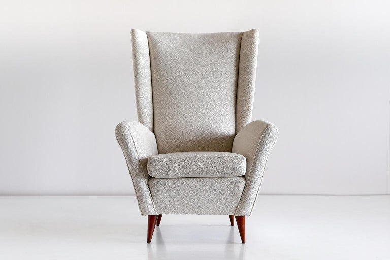 Gio Ponti High Back Armchair in Ivory Chenille and Walnut, Italy, Late 1940s For Sale 3