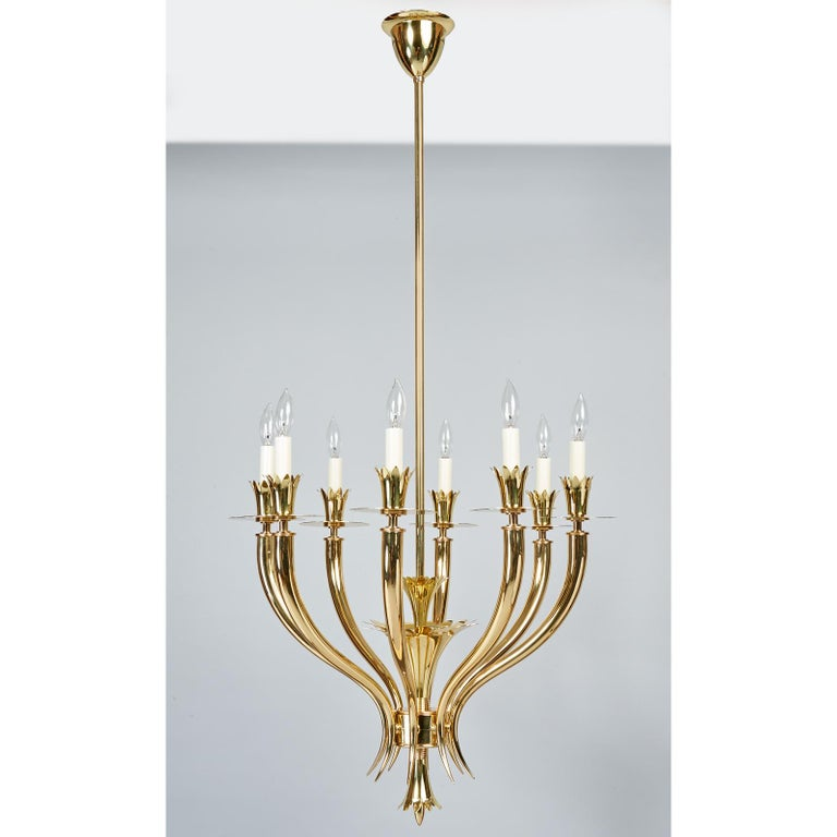 Mid-Century Modern Gio Ponti Important Geometric 8-Arm Chandelier in Polished Brass, Italy 1930s For Sale