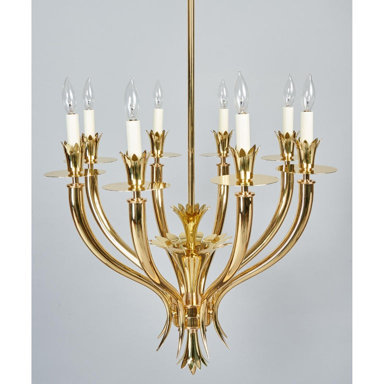 Gio Ponti Important Geometric 8-Arm Chandelier in Polished Brass, Italy 1930s For Sale 1