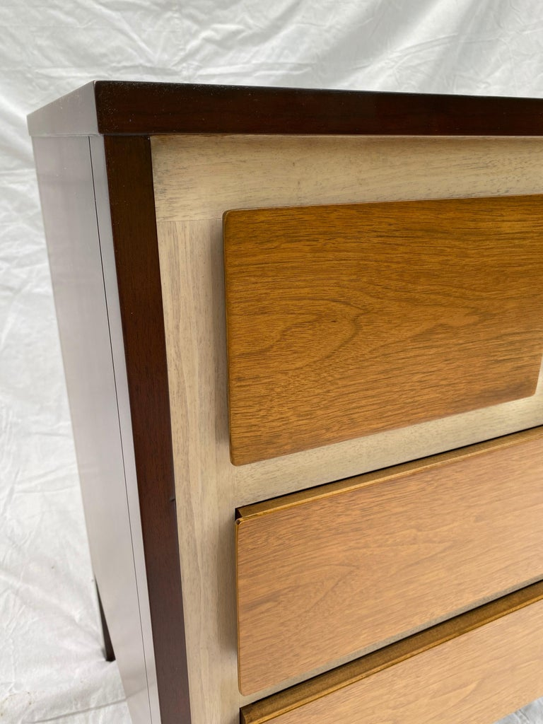 Gio Ponti Inspired Dresser for Henredon Furniture In Good Condition For Sale In Philadelphia, PA