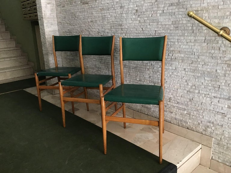 "Gio Ponti ""Leggera"" Chairs by Cassina 1951 Wood Original Coating, Italy For Sale 2"