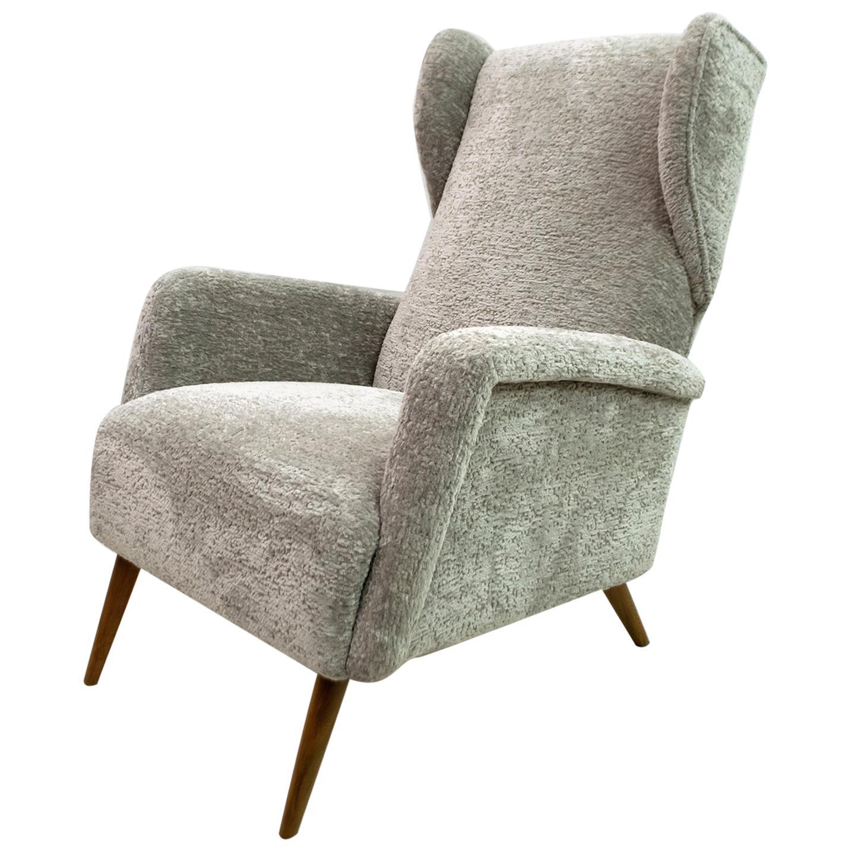 Gio Ponti Mid-Century Modern Italian Chenille Velvet Alata Lounge Chair, 1950s