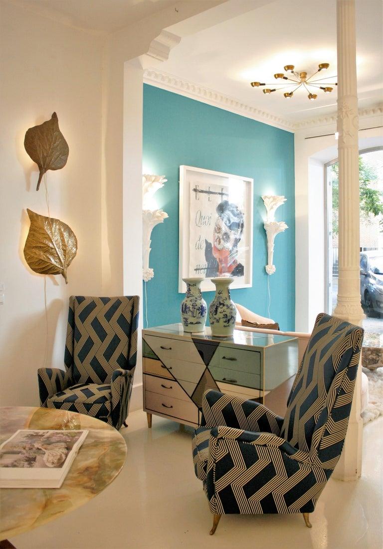 Gio Ponti Mid-Century Modern Pair of Wood Satin Fabric Italian Armchairs For Sale 5