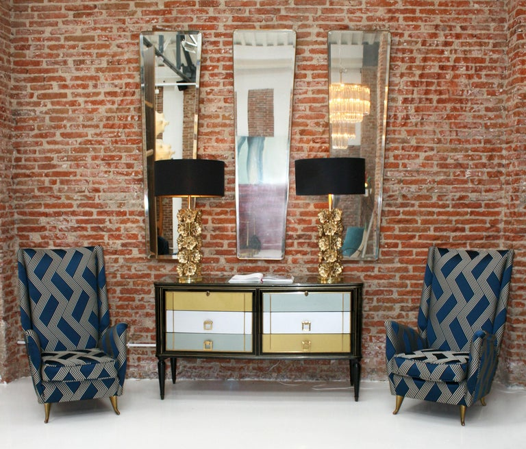 Gio Ponti Mid-Century Modern Pair of Wood Satin Fabric Italian Armchairs For Sale 7