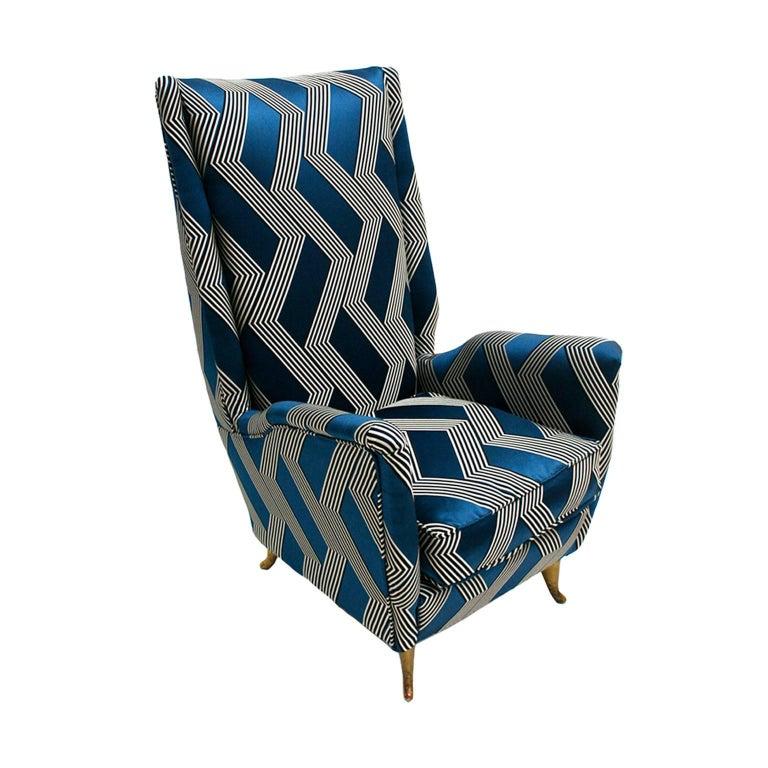 Mid-20th Century Gio Ponti Mid-Century Modern Pair of Wood Satin Fabric Italian Armchairs For Sale