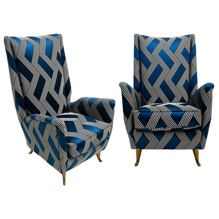 Gio Ponti Mid-Century Modern Pair of Wood Satin Fabric Italian Armchairs For Sale