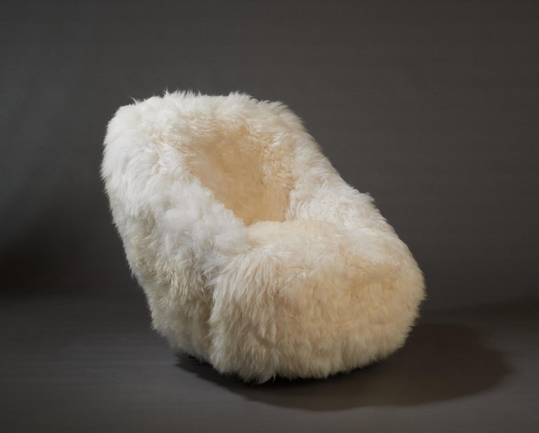 Gio Ponti, Striking Pair of Armchairs in White Sheepskin, Italy 1950s For Sale 2