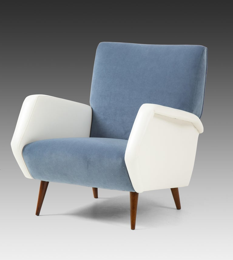 Mid-Century Modern Gio Ponti Pair of Armchairs Model 803 For Sale