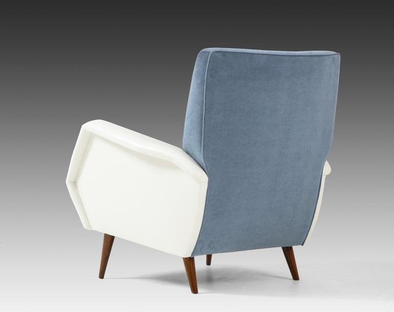 Gio Ponti Pair of Armchairs Model 803 In Good Condition For Sale In New York, NY