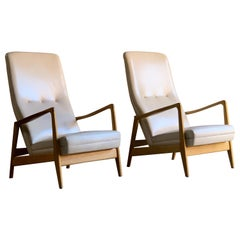 Gio Ponti Pair of Ash Lounge Chairs by Cassina, Italy, circa 1958