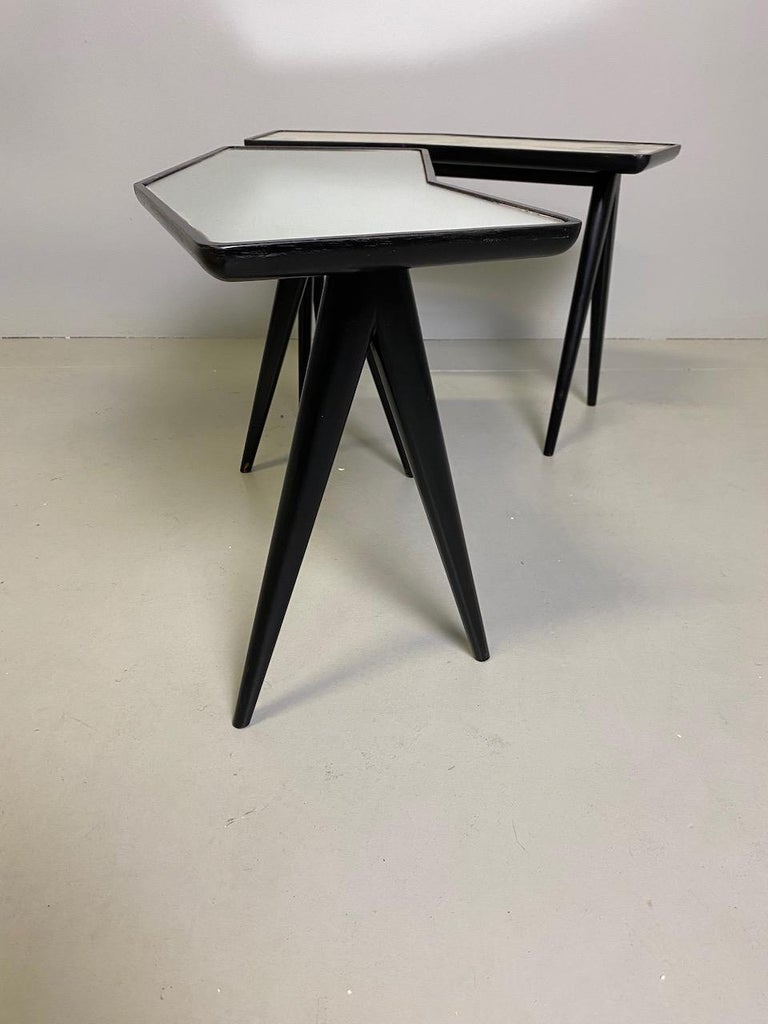 Gio Ponti Pair of black lacquered Walnut Side Tables Mirrored Glass Tops For Sale 1