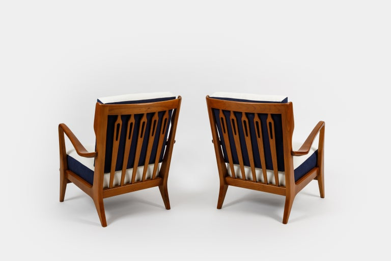 Mid-Century Modern Gio Ponti for Cassina Pair of Walnut Armchairs Model 516 For Sale