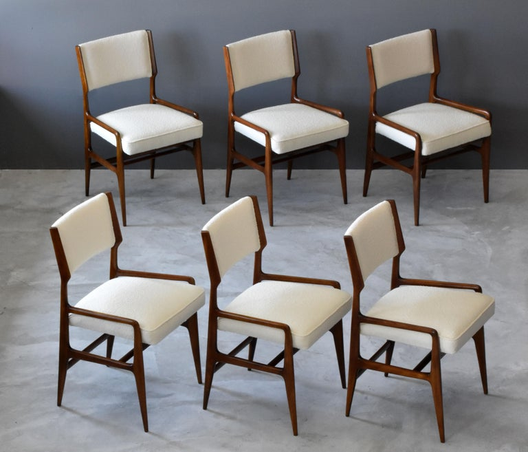 Mid-Century Modern Gio Ponti Rare Dining Chairs, Walnut, Boucle by Figli di Amedeo Cassina, 1960s For Sale