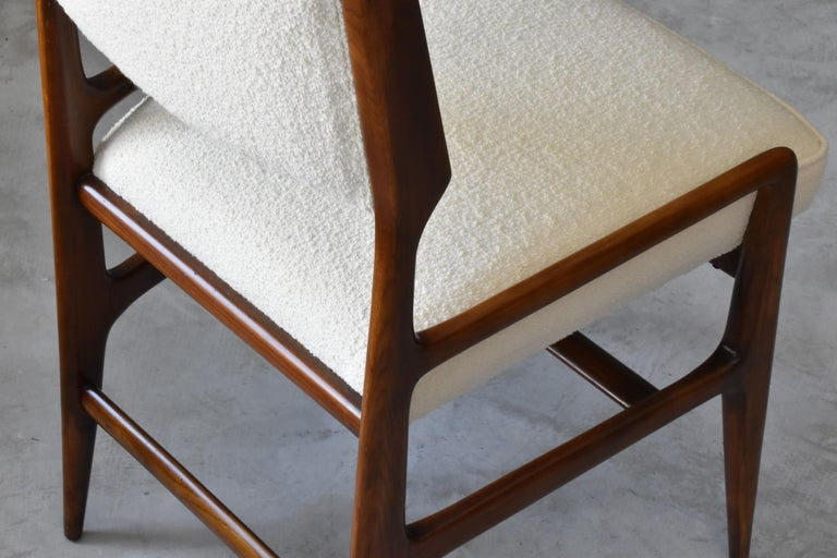 Gio Ponti Rare Dining Chairs, Walnut, Boucle by Figli di Amedeo Cassina, 1960s In Good Condition For Sale In West Palm Beach, FL