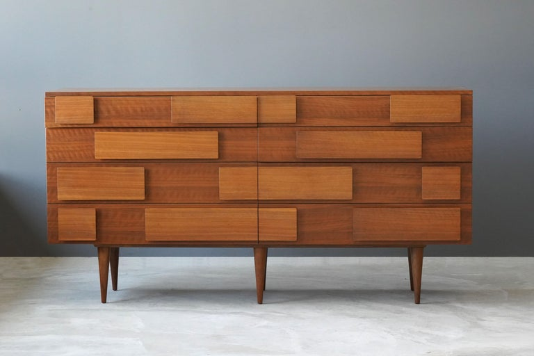 Mid-Century Modern Gio Ponti, Rare Double Dresser, Walnut, for Singer & Sons, America, 1950s For Sale